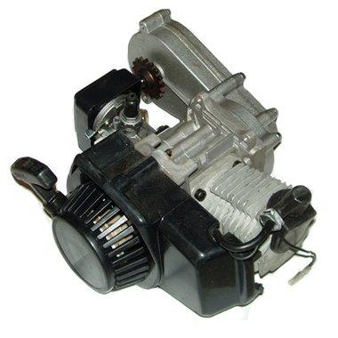 Compleet 47cc / 49cc motorblok met carburateur, KUNSTSTOF trekstarter en vertragingskast voor DIKKE ketting!
